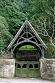 >Lychgate to St Peter's Churchyard, Alton by Rod Johnson