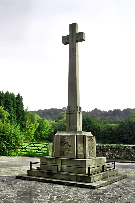 War Memorial, Duffield by Rod Johnson